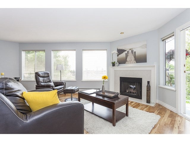 # 204 1369 GEORGE ST - White Rock Apartment/Condo for sale, 2 Bedrooms (F1446503) #1